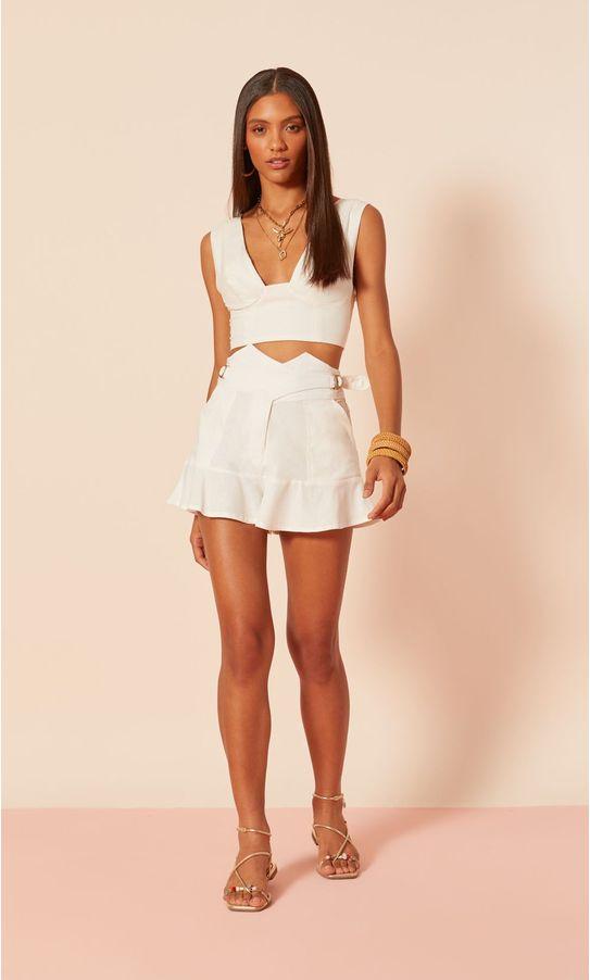 26020476-short-linho-cintura-alta-detalhe-passador-off-white-1