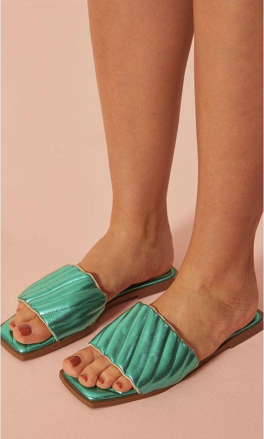 15050204-rasteira-flat-strap-matelasse-verde-1